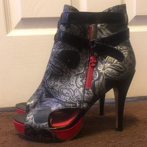 Iron Fist White Black Polkadot Leopard Lolita Love High Heels Platform Shoes NIB